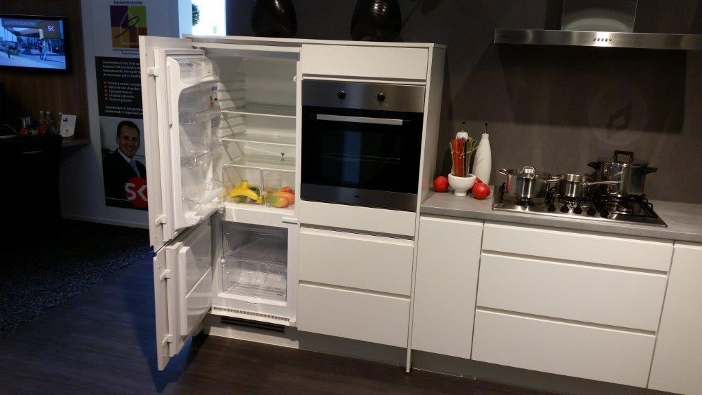 Greeploze witte keuken creatieve idee n voor huisontwerp en meubels - Witte keukenfotos ...